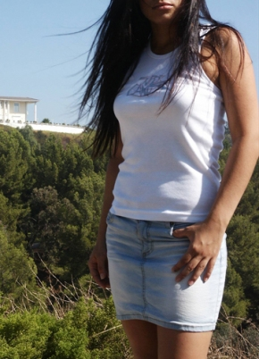 Model Pic 05